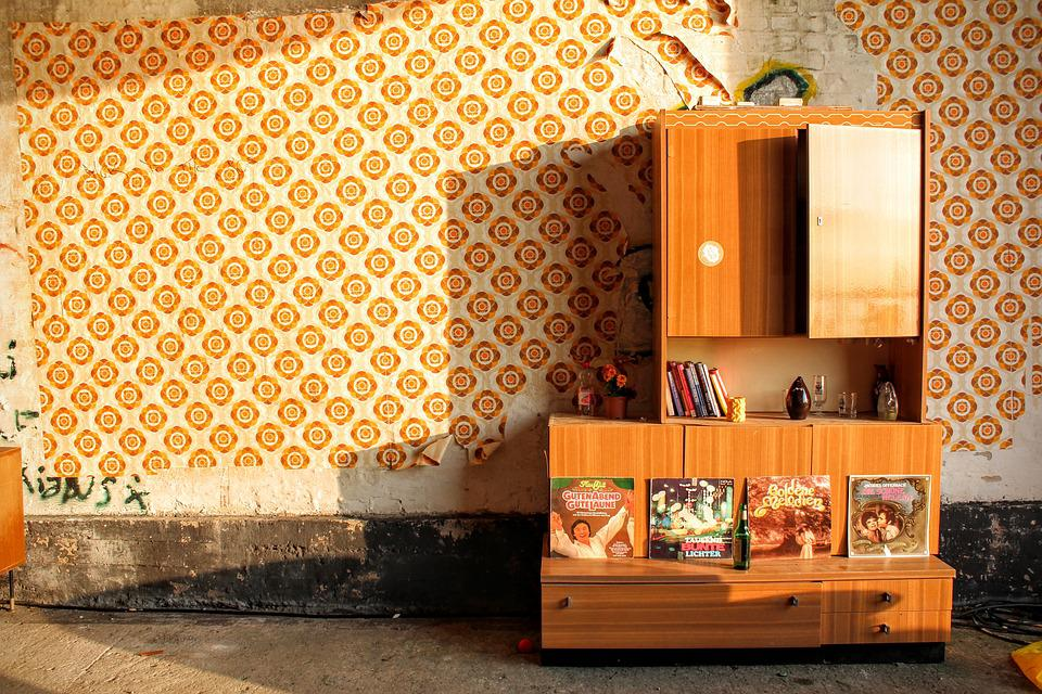 Free photo 70th Growing Wall Wall Unit Living Room Messi - Max Pixel