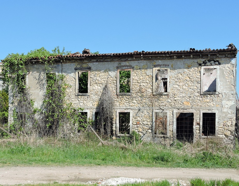 House, Old, Fart, Sagging, Run-down, Ruin, Abandoned