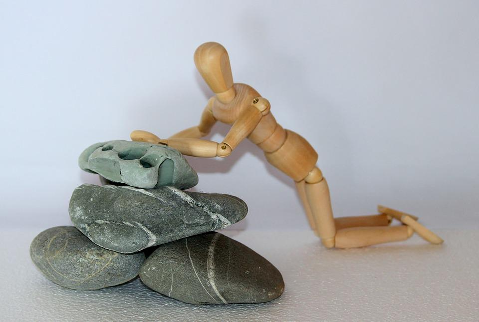 Holzfigur, Stones, Plunge, Fall, Fell Down, Accident