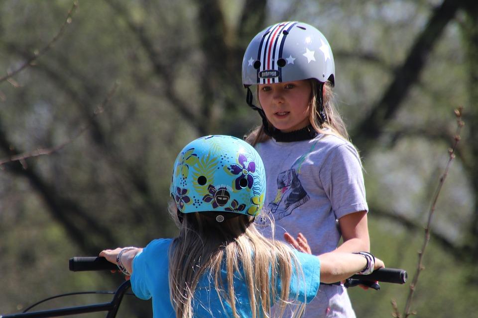 She, Conversation, Holiday, Acquaintance, Helmet, Look