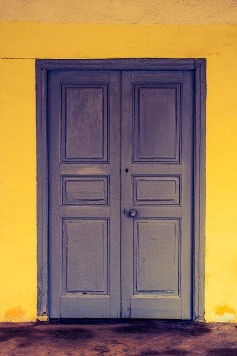 Цвета деревянных дверей фото