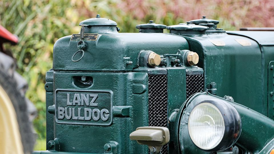 Tractor, Antique Car, Farm Yard, Agriculture, Old