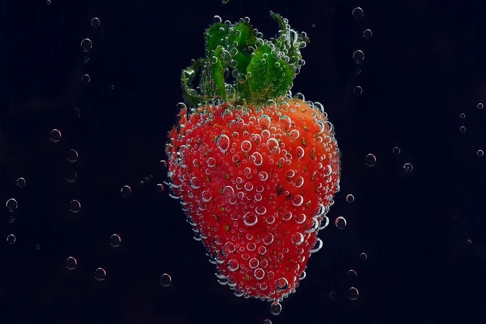 Strawberry, Blow, Air Bubbles, Mineral Water, Blubber