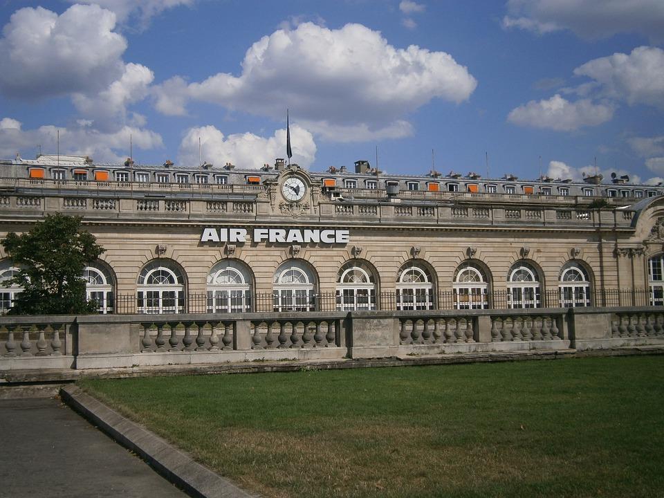 Air France, Paris, Monument