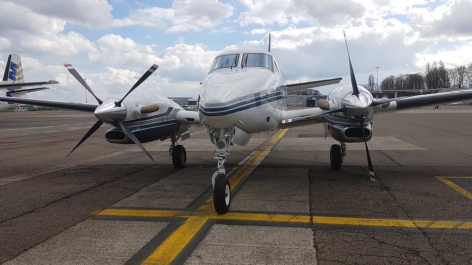 Plane, Aircraft, Transport, Vliegterrein