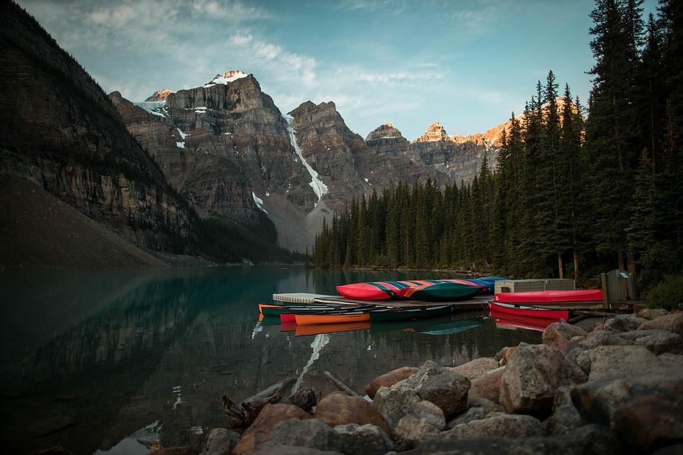 Canoes, Moraine, Lake, Banff, Canada, Alberta, Vacation