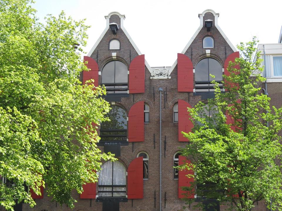 Amsterdam, House, Symmetry