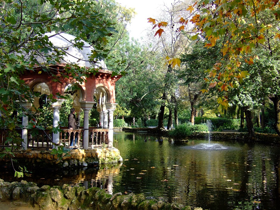Maria Luisa Park, Pond, Seville, Andalusia, Spain