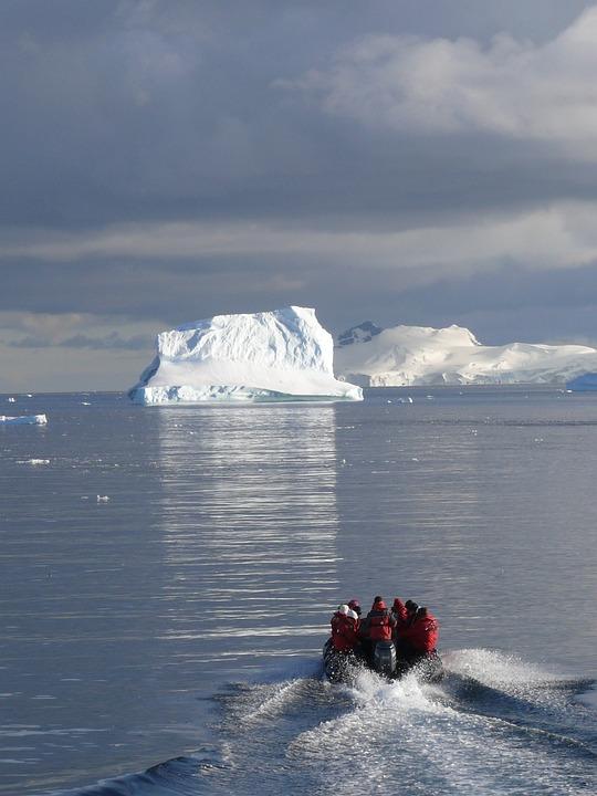 Icebergs, Antarctica, Southern Ocean, Zodiacfahrt