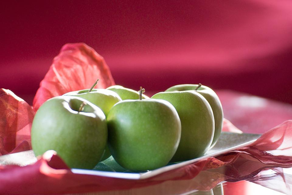 Apple, Fruit, Apple Tree, Frisch, Healthy, Tree