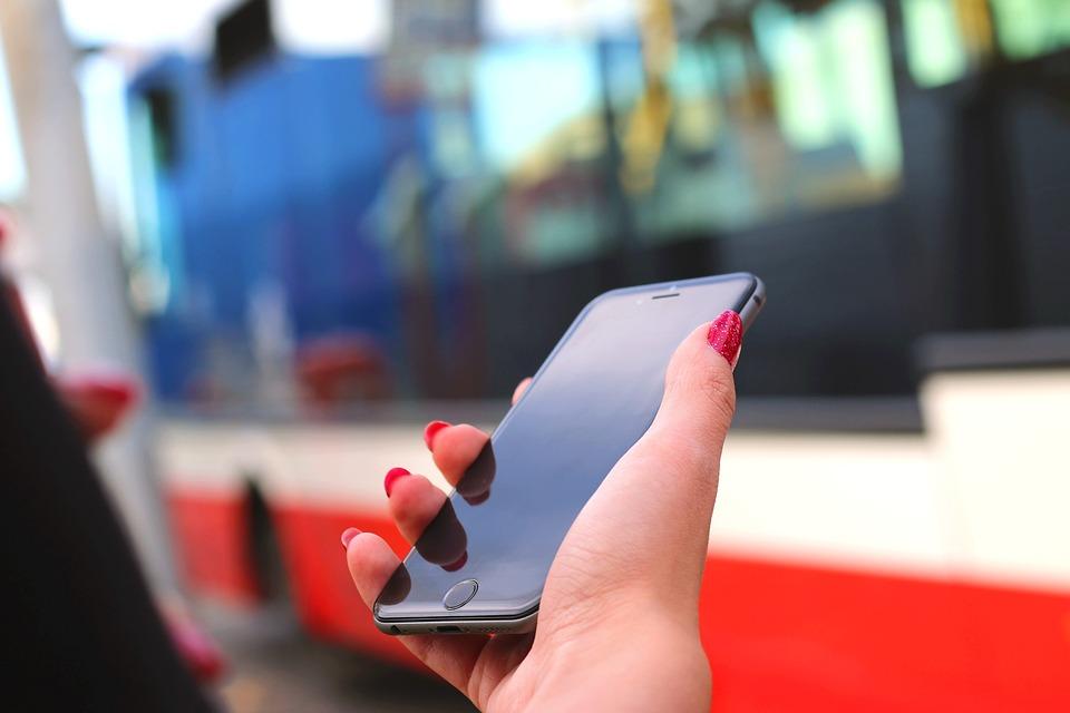 Iphone 6, Apple, Technology, Bus, Hands, Fingers