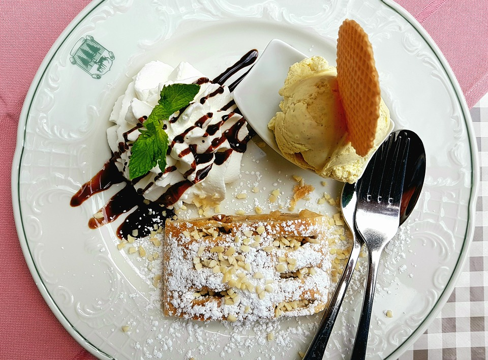 Dessert, Cake, Apple Strudel, Vanilla Ice Cream