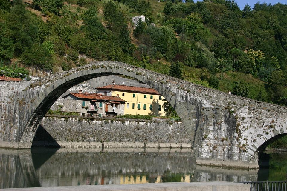 Devil's Bridge, Bridge, Arc