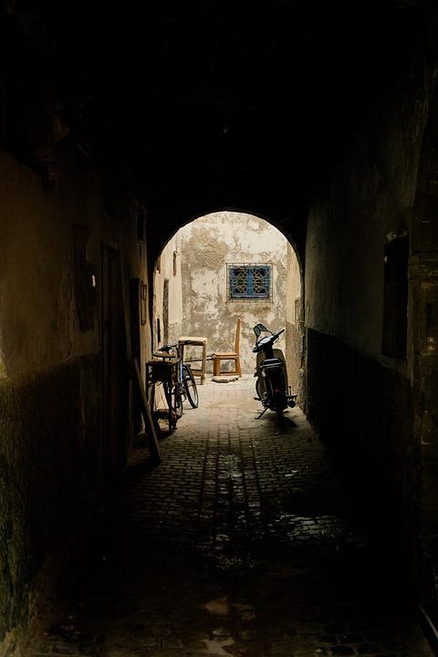 Alley, Passage, Arch, Backyard, Hof, Eng, Road, Away