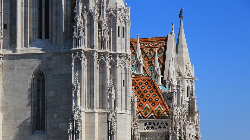 Budapest, Matthias Church, Architecture