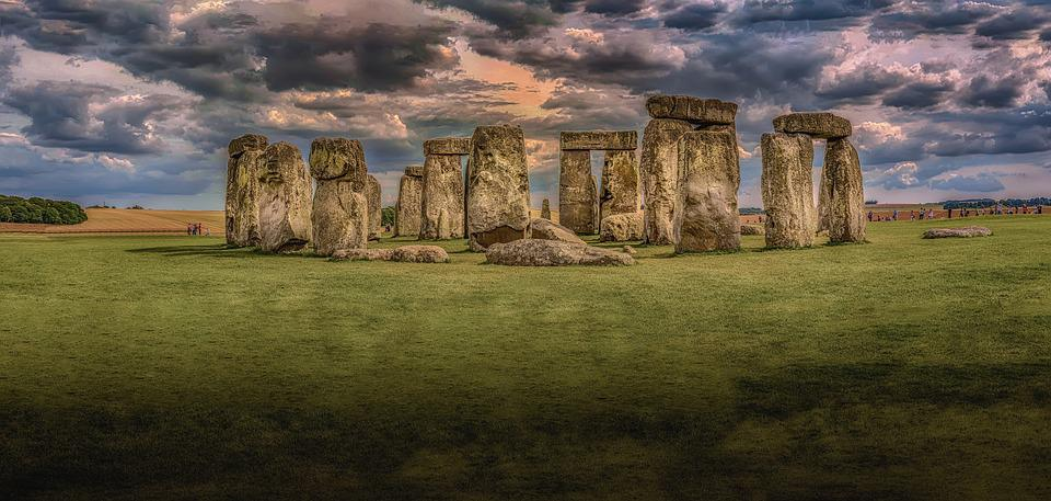 Stonehenge, Architecture, History, Monolith