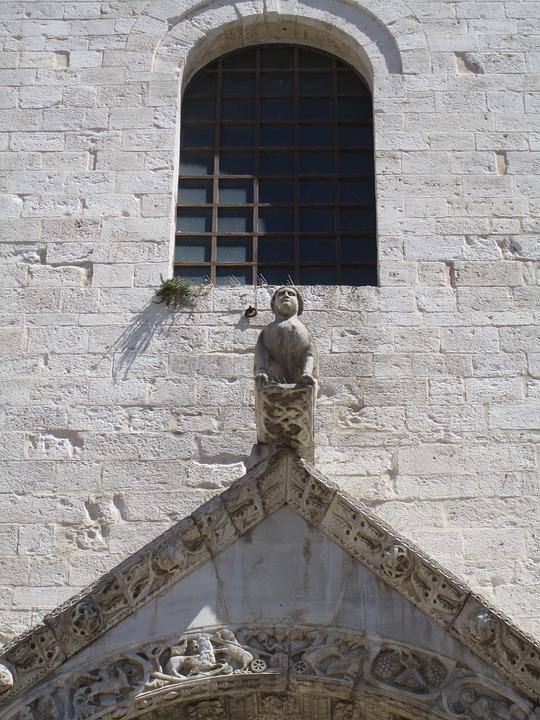 Bari, Italy, Church, Puglia, Architecture, Statue, Roof