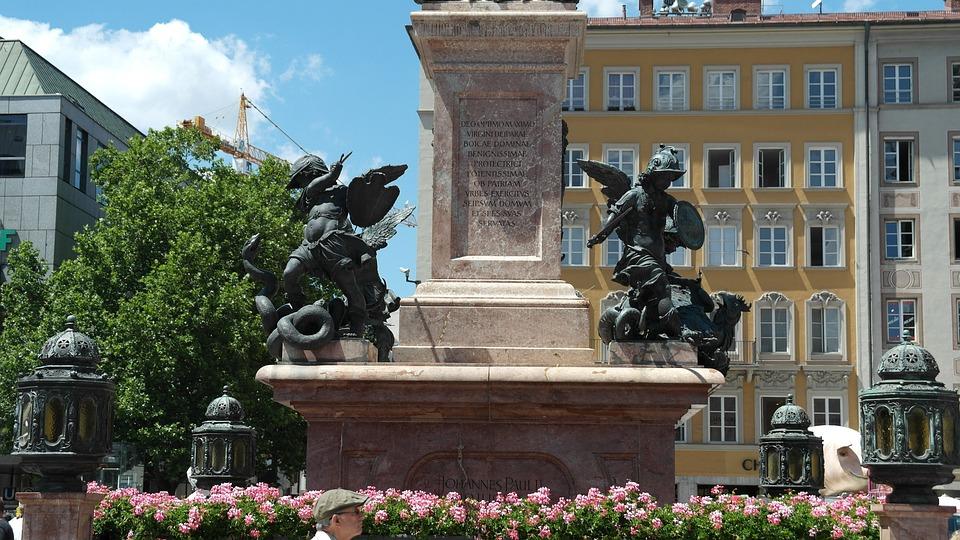 Statue Of Mary, Marienplatz, Munich, Architecture