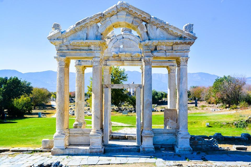 Colon, Architecture, Sky, Travel, Tourism, Monument