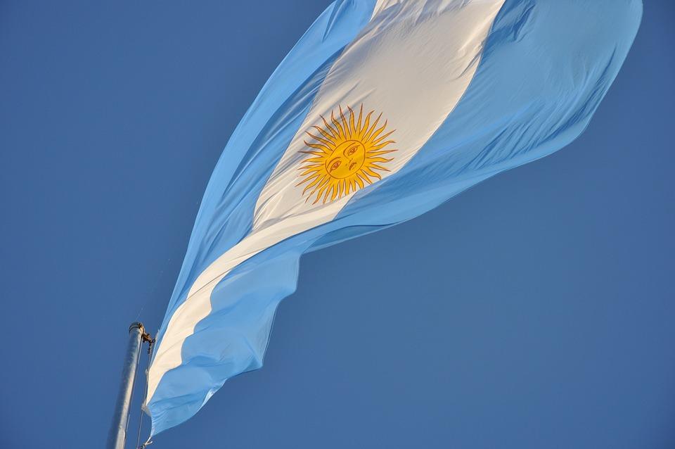 Flag, Argentina, Flaming