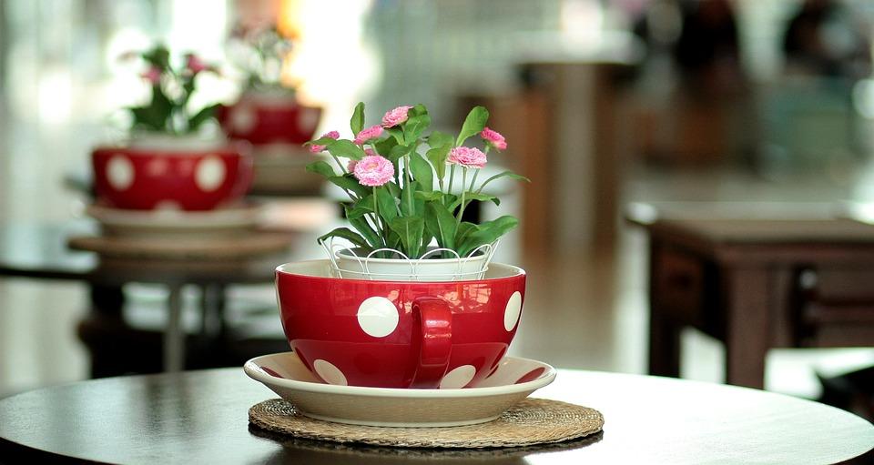 Hotchpotch, Red, Flowers, Table, Arrangement, Design