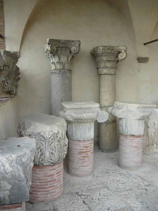Verona, Italian, Italy, Statue, Art, Column, Columns