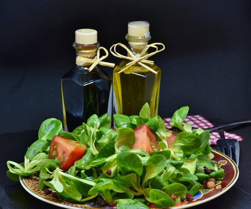 Lamb's Lettuce, Arugula, Bacon, Diced Bacon, Tomato