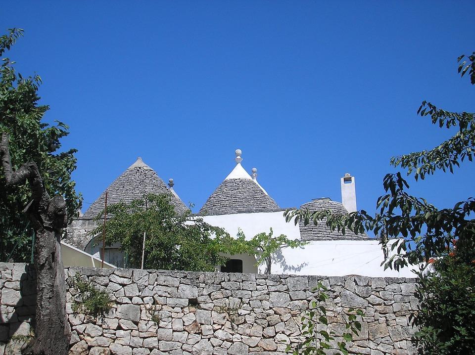 Puglia, Ashram, Cisternino, Trulli, Walls
