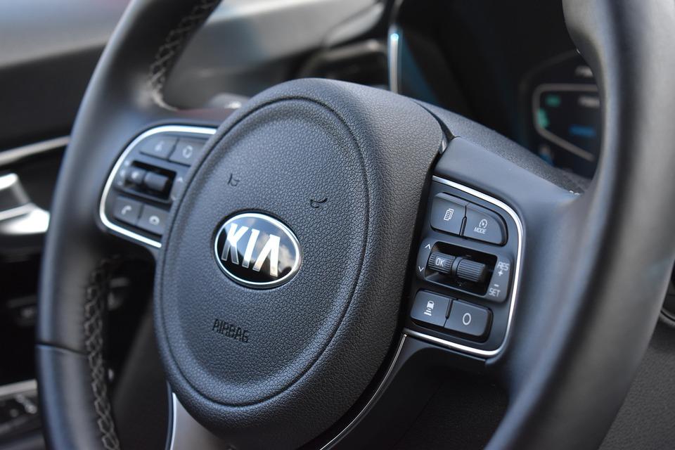 Kia, Car, Steering Wheel, Drive, Automobile, Automotive
