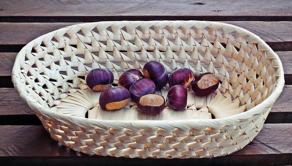 Chestnuts, Edible, Fruit, Autumn, Food, Tree, Maroni