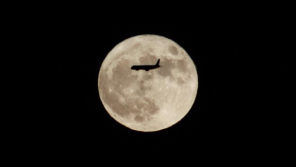 Moon, Aircraft, Silhouette, B N, Fly, Travel, Astronomy