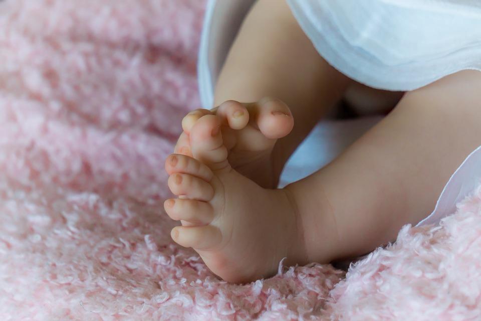 Child, Baby, Newborn Baby, Legs, Feet, Fingers