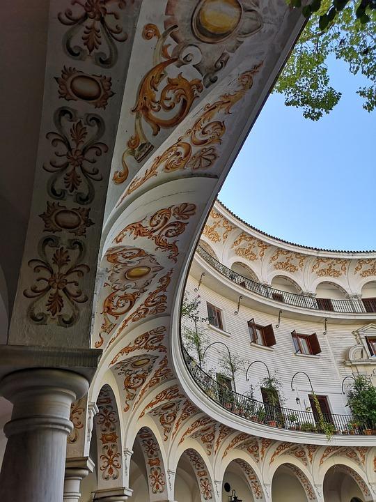 Columna, Balconies, Sevilla