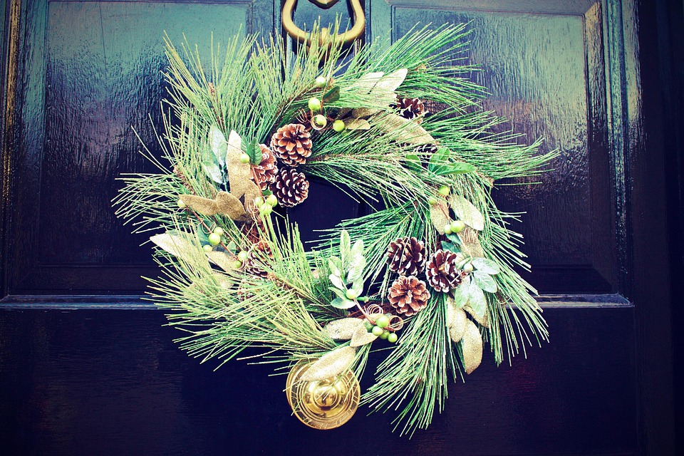 Door, Wreath, Black, Green, Pine, Balls, Christmas