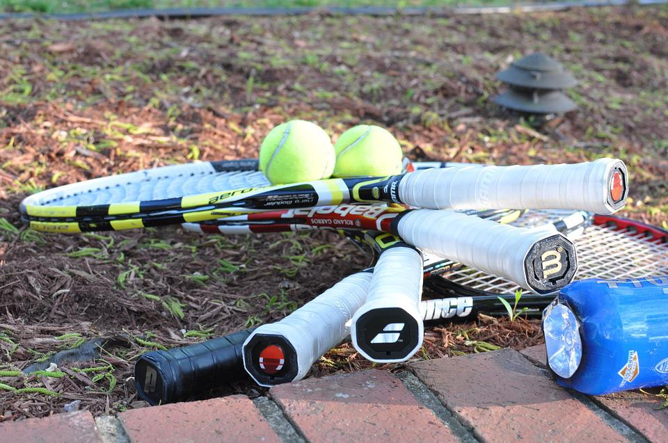 best tennis racquet for a beginner