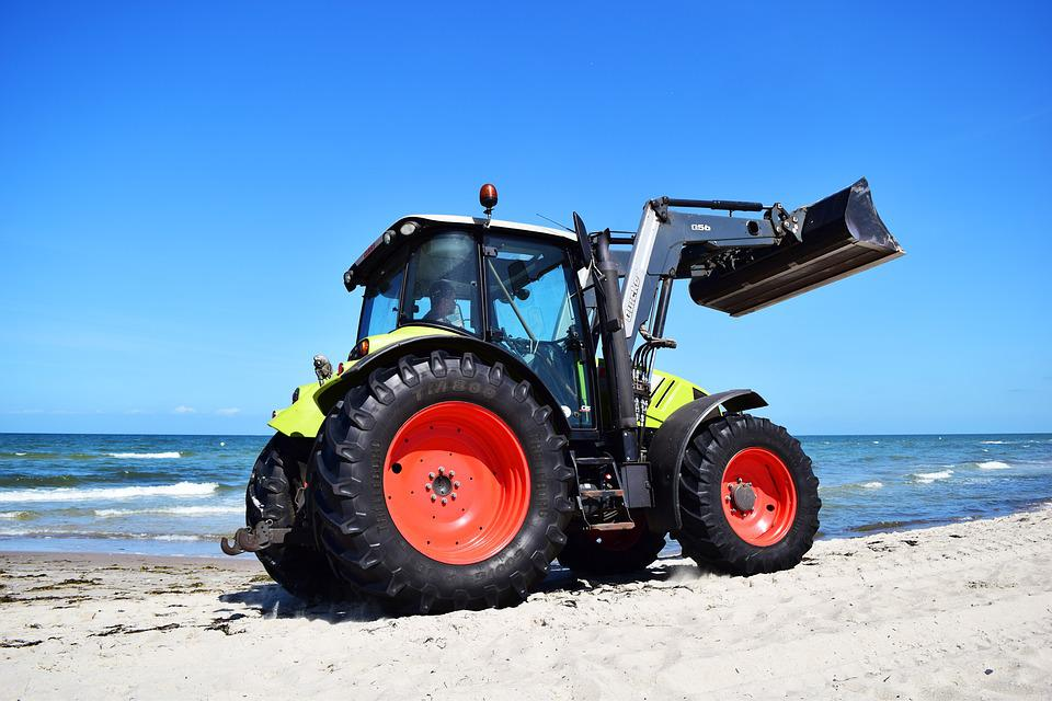 Tractor, Most Beach, Baltic Sea, Sea, Strandbad