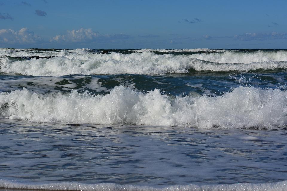 Baltic Sea, Wave, Forward, Vacations