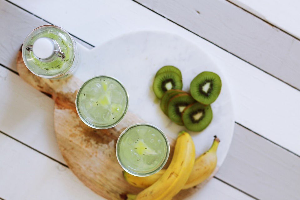 Bananas, Diet, Drinks, Food, Fruits, Kiwis, Table