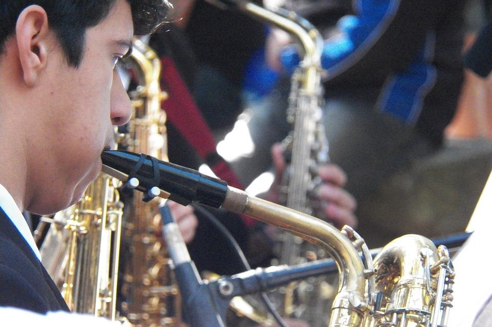 Saxophonist, Music, Band