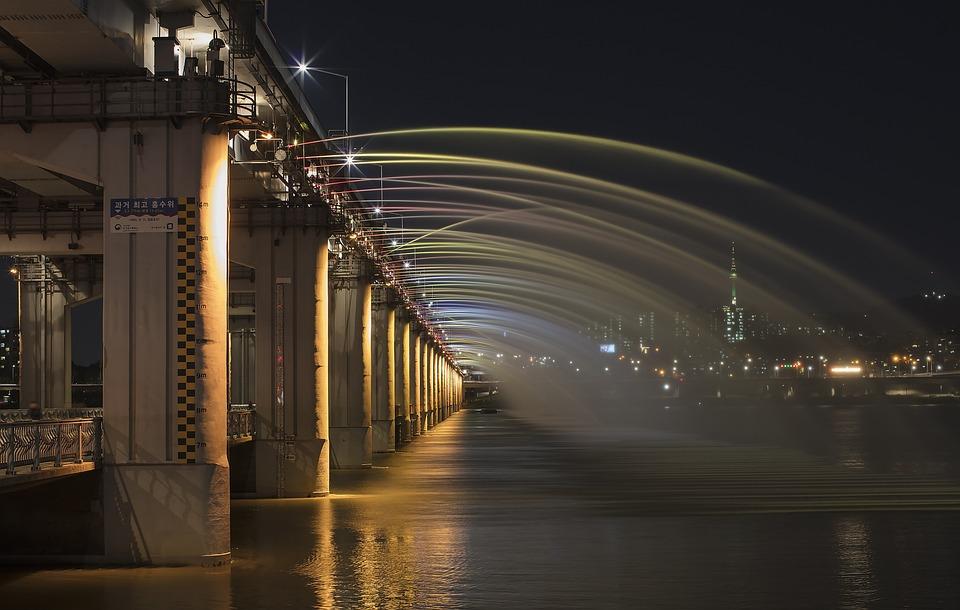Banpo Bridge, Han River, Rainbow Fountain, Night View