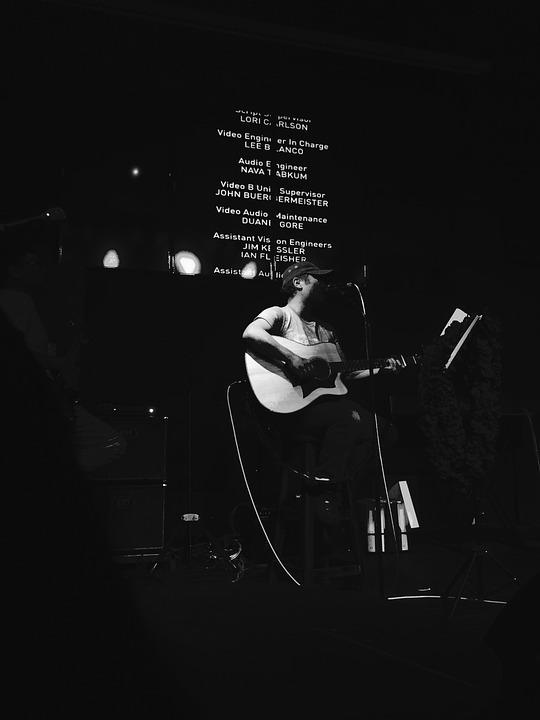 Nightclubs, Bar, Singer Singer