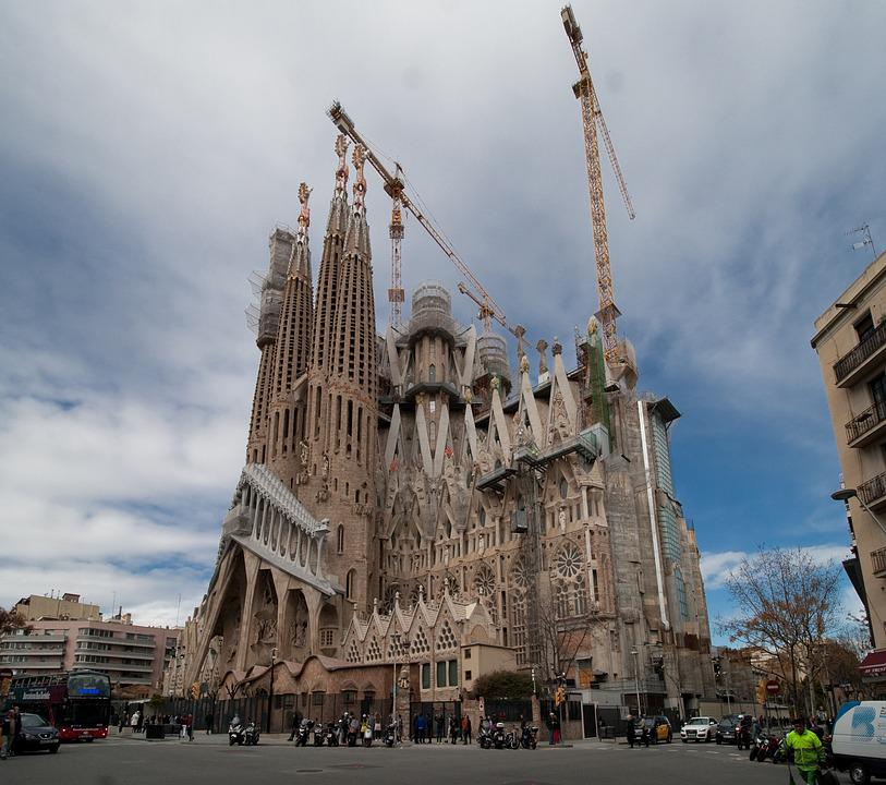 Barcelona, Spain, Catalonia, Sagrada Familia, Crane