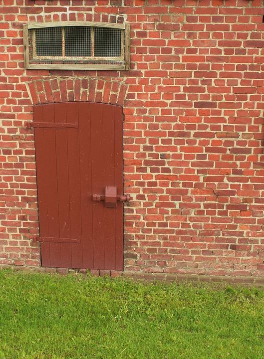 Wall, Door, Barn, Building, Masonry, Bricks