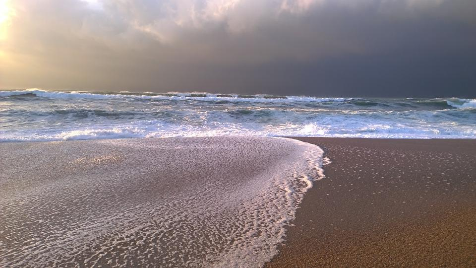 Beach, Ocean, Sand, Scum, Cloud, Water, Wave, France