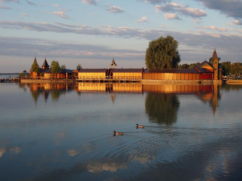 Lake Balaton, Keszthely, Beach, Bath, Water, Sky