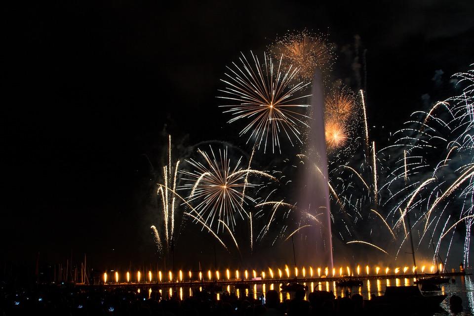 Salute, Holiday, Night, Fireworks, Evening, Beautiful