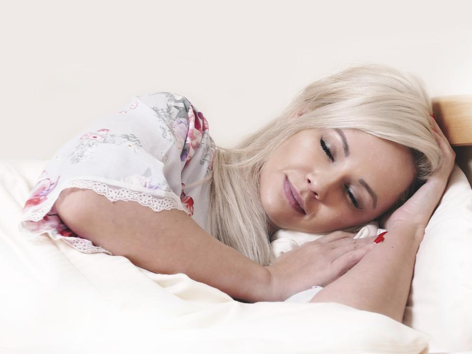 how to relax a woman in bed