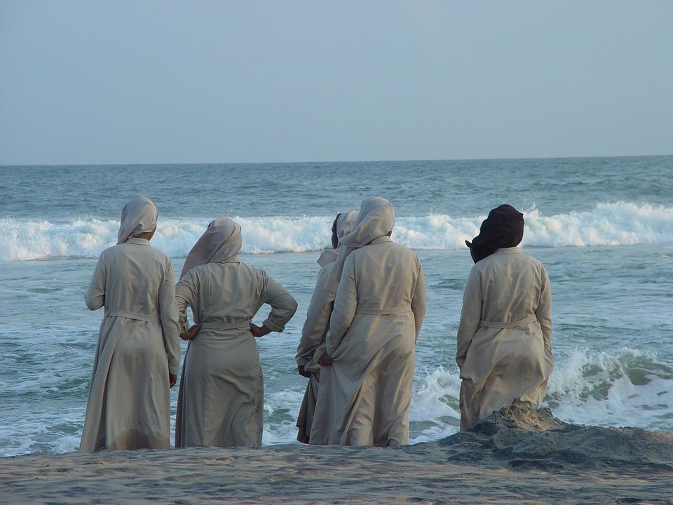 India, Nuns, Sea, Believe, Religion