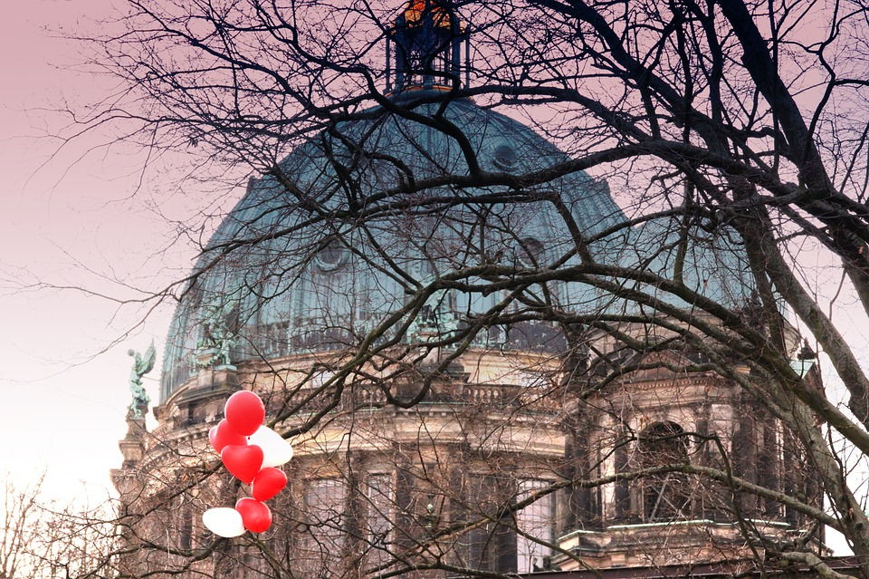 Berlin, Berlin Cathedral, Balloon, Heart, Building