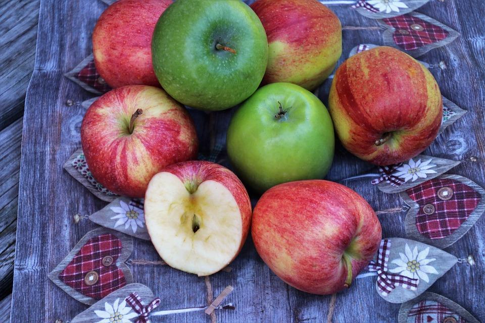 Apples, Mature, Autumn, Delicious, Fresh, Tasting, Bio